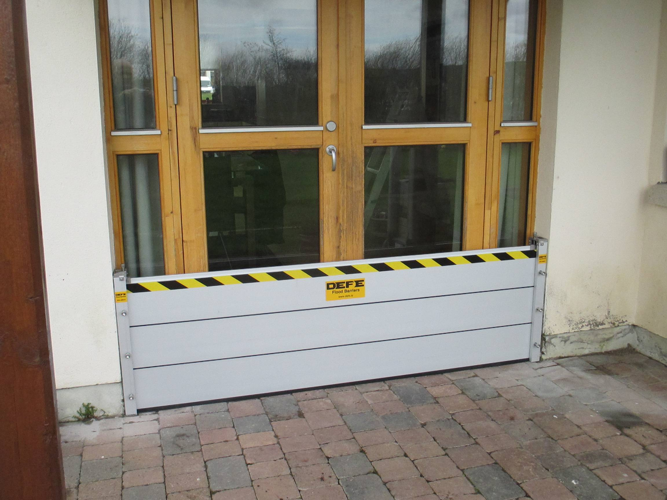 protect-your-home-from-water-flooding-with-DEFE-flood barriers